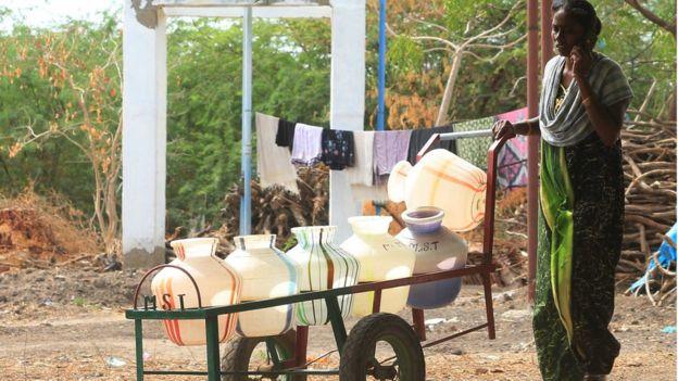 கிராம மக்கள் வாழ்வில் ஒன்றிபோன தண்ணீர் வண்டி