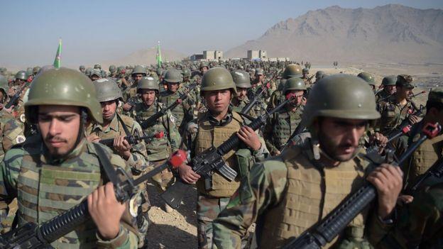 ستونی از سربازان ارتش ملی افغانستان
