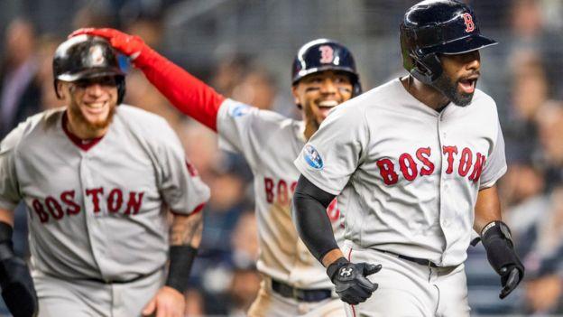 Jugadores de los Medias Rojas de Boston celebran