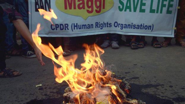 Protesto contra a Maggi na Índia
