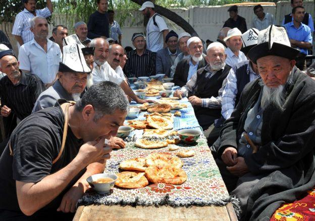 Курсан Асанов 2010-жылдагы июнь окуяларынан соң жалпы коомчулукка кеңири таанылат