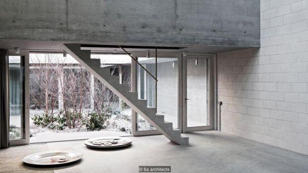 ترکیب نور، بتن و حیاطهای داخلی