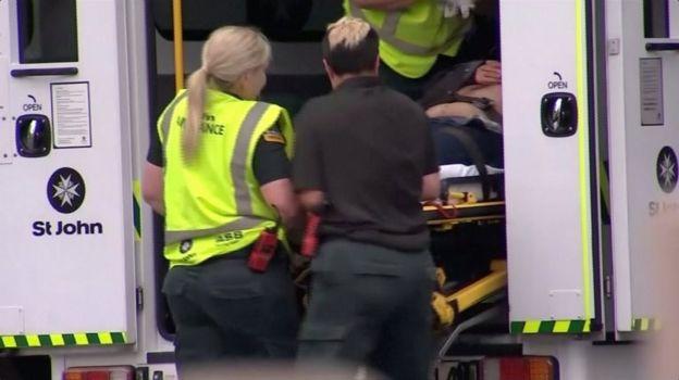 Mujer en ambulancia