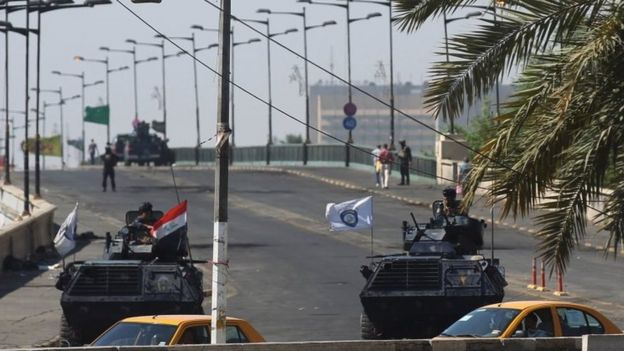 Iraq's security forces block a bridged in Baghdad. Photo: 5 October 2019