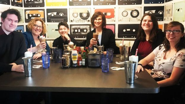 Ashley, Zoe, Alexis and Amanda with the rest of the family drinking milkshakes