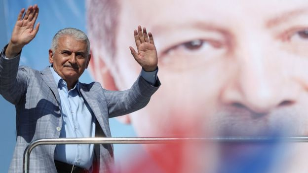 Binali Yildirim on his final campaign before the election on June 23