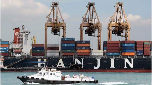 新加坡海港货轮