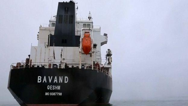کشتی باوند در آب های ساحلی بندر پاراناگوا برزیل گیر افتاده است