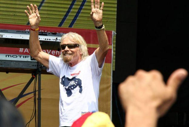 Branson en el escenario