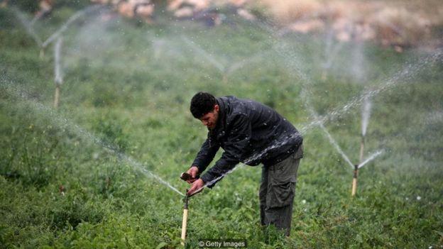 Negara-negara dengan surplus air mengekspor