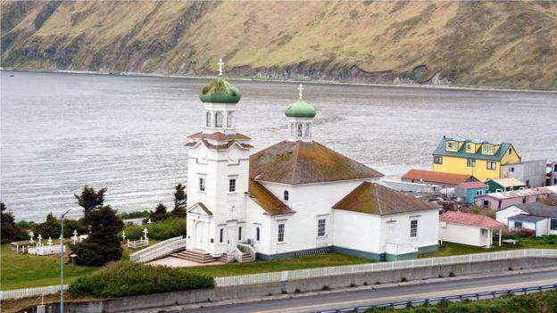 烏納拉斯卡島的聖升天教堂(Church of the Holy Ascension)(如圖)是為數不多的保留下來的俄羅斯東正教教堂之一。