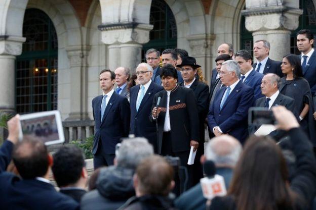 Morales habla a los medios