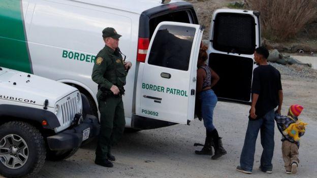 Muere otro niño migrante bajo custodia de autoridades estadounidenses