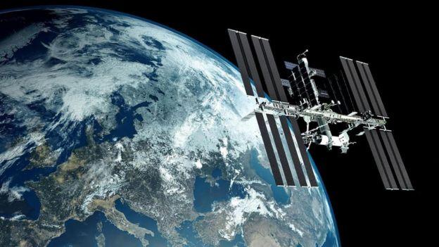 لا تبعد المحطة الفضائية الدولية أكثر من 200 ميل عن الأرض، أما حزام الكويكبات فيبعد عن كوكبنا بملايين الأميال