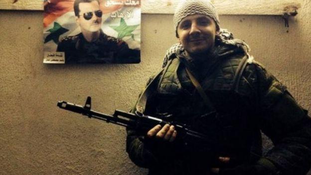 مقاتل في سوريا