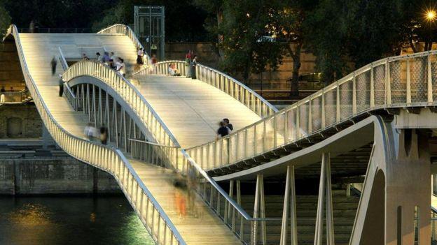 Мост Симоны де Бовуар, Париж