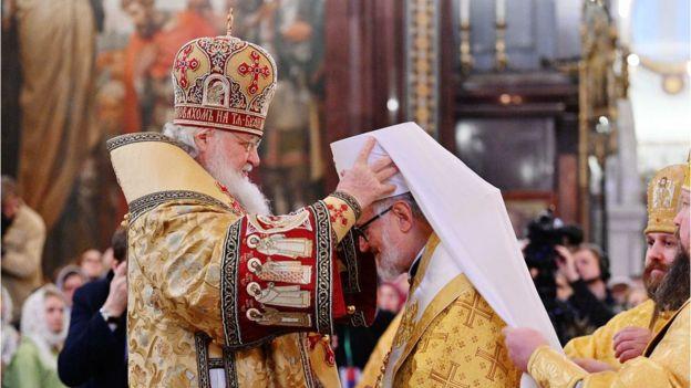 служба в храме Христа Спасителя в Москве