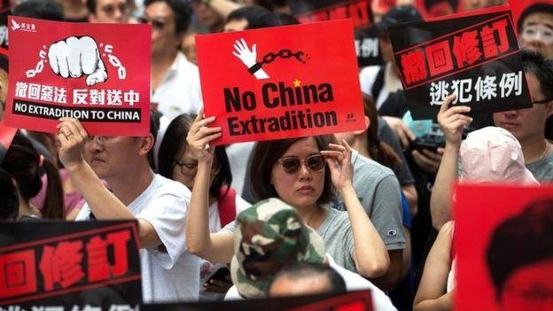 Cientos de miles de manifestantes participaron en una marcha contra las enmiendas a un proyecto de ley en Hong Kong