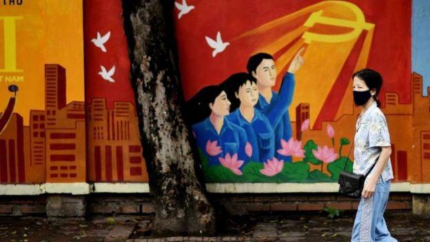 Việt Nam đang cách ly tập trung người Việt Nam về nước, người nước ngoài vào Việt Nam