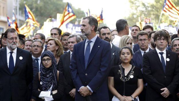 شارك في التظاهرة ملك إسبانيا فيليبي السادس ليكون أول ملك ينضم إلى تظاهرة منذ إعادة النظام الملكي في إسبانيا في سبعينيات القرن الماضي.