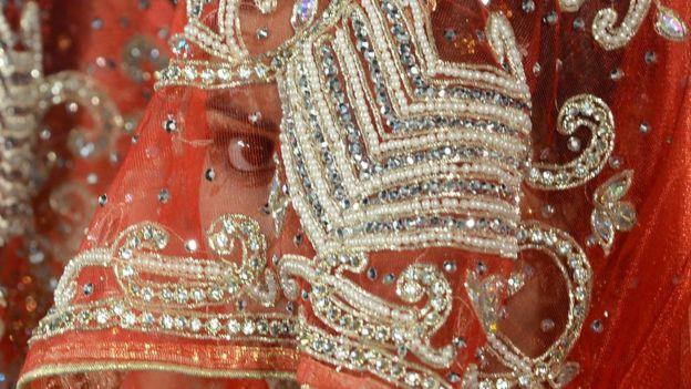 ভারতে হিন্দুত্ববাদী কিছু সংগঠন তথাকথিত লাভ জিহাদের বিরুদ্ধে আন্দোলন করে আসছে