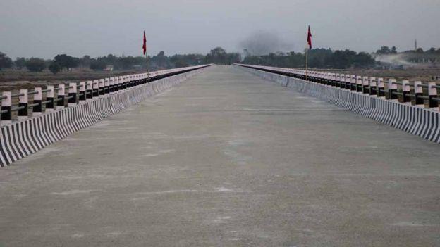 मेची पुल