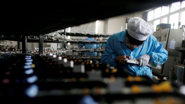 有外资公司对BBC中文证实,受中美贸易纠纷影响,他们会把部份业务撤离中国。