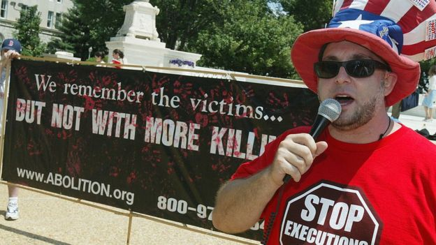 Abraham Bonowitz at an anti-death penalty rally he hosts in front of the US Supreme Court each year