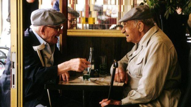 ينزع التواصل بين الفرنسيين إلى التعقيد والغموض