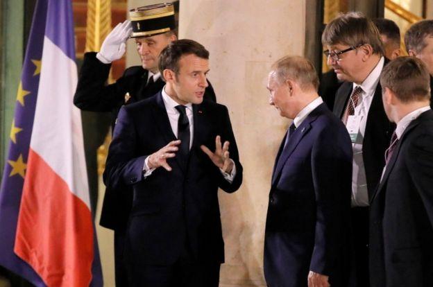 Макрон и Путин