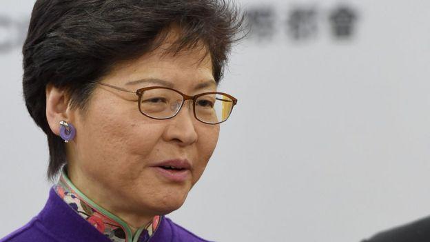 林郑月娥在香港特区政府驻北京办事处会见记者(中新社图片12/11/2018)