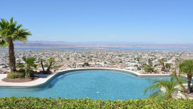 Vista de la ciudad de lago Havasu.