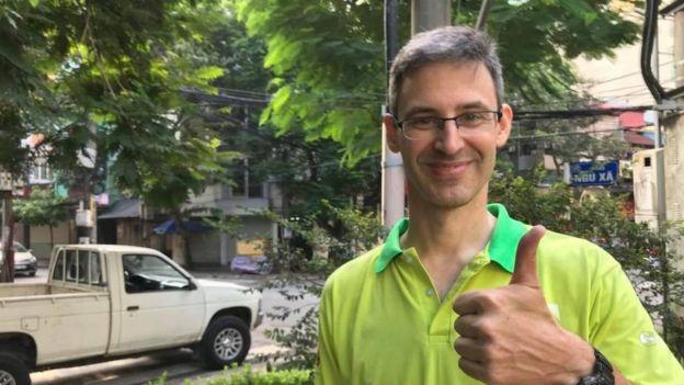 """Douglas Snyder, chuyên viên về thiết kế xây dựng xanh và là Tổng giám đốc Keep Hanoi Clean nói: """"Với việc tập trung vào các giải pháp, hy vọng chúng ta có thể hít thở dễ dàng hơn ở thành phố tuyệt vời này."""""""