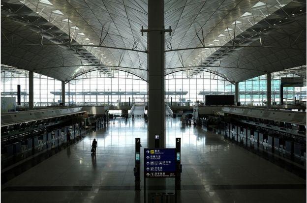 香港保安局的数据显示,今年2月至5月共有20多万名获豁免人士入境香港。