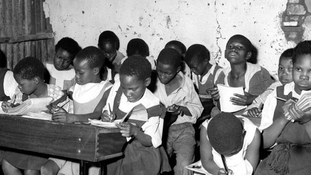 تحصیل سیاهپوستان در آفریقای جنوبی محدود بود