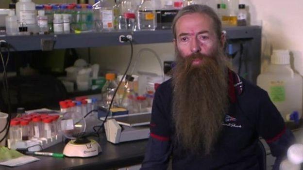 Aubrey de Grey hesab edir ki, insanlar əsrlərlə yaşa bilər