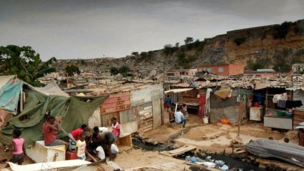 अंगोला में 30 फ़ीसदी लोग ग़रीबी रेखा के नीचे ज़िंदगी गुज़र करते हैं