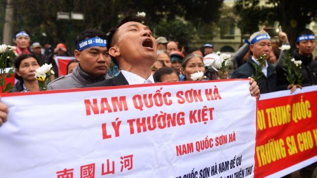 Image result for biểu tình chống  TQ