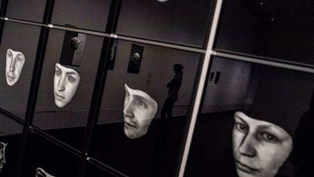 Exposição mostra imagem de rostos