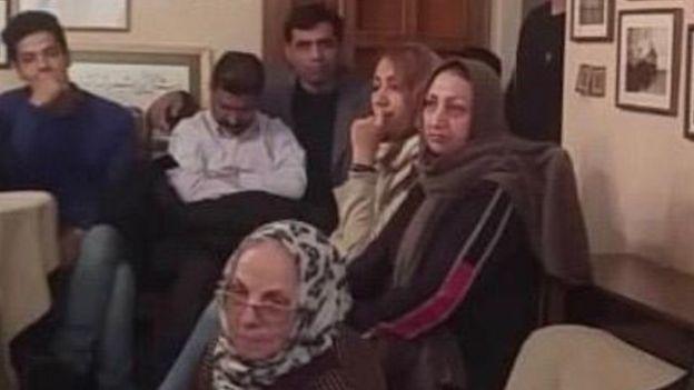 شهناز اکملی، مادر مصطفی کریم بیگی از کشته شدگان سال ۱۳۸۸ در مراسم یادبود فروهرها در یکم آذر ۹۸