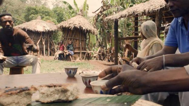 يبدو أن طقوس تناول القهوة هي تقليد راسخ لن يختفي من حياة الشعب الإثيوبي