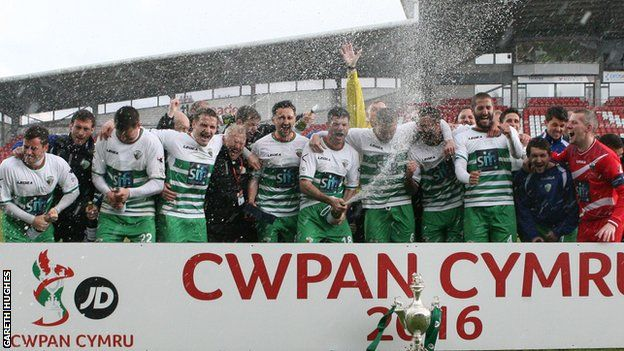 New Saints celebrate their Welsh Cup final win over Airbus UK