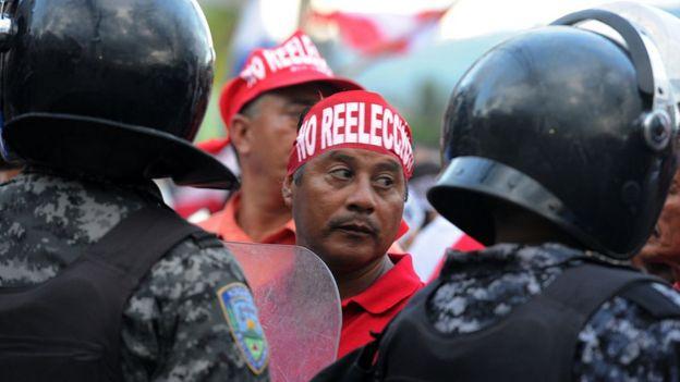 Protesta contra la reelección en Honduras