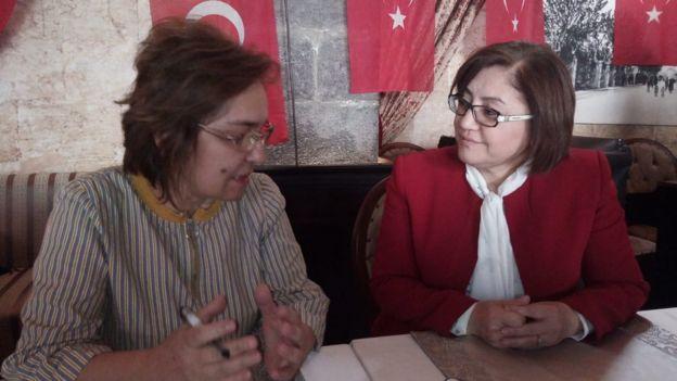 """Fatma Şahin, """"ustalık dönemi"""" için oy istiyor."""