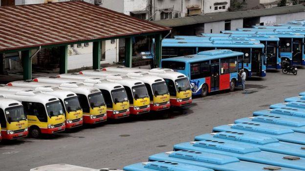 Các phương tiện giao thông công cộng phải ngừng chạy trong thời gian Việt Nam thực hiện giãn cách xã hội