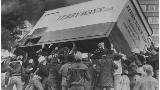 Protestos após morte de Bobby Sands