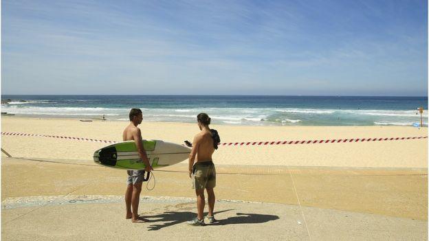 位于悉尼市区东南的马鲁巴海滩(Maroubra Beach)周日已关闭。