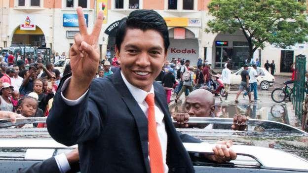 Madagascar arrests generals over plot to kill President Rajoelina thumbnail