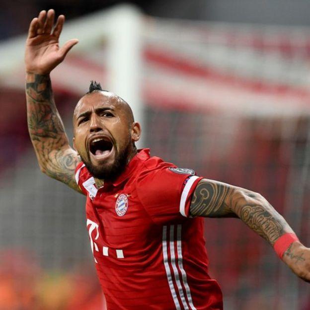 Vidal con la camiseta del Bayern Múnich