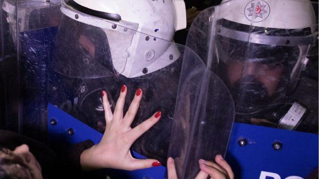 روز زن در استانبول